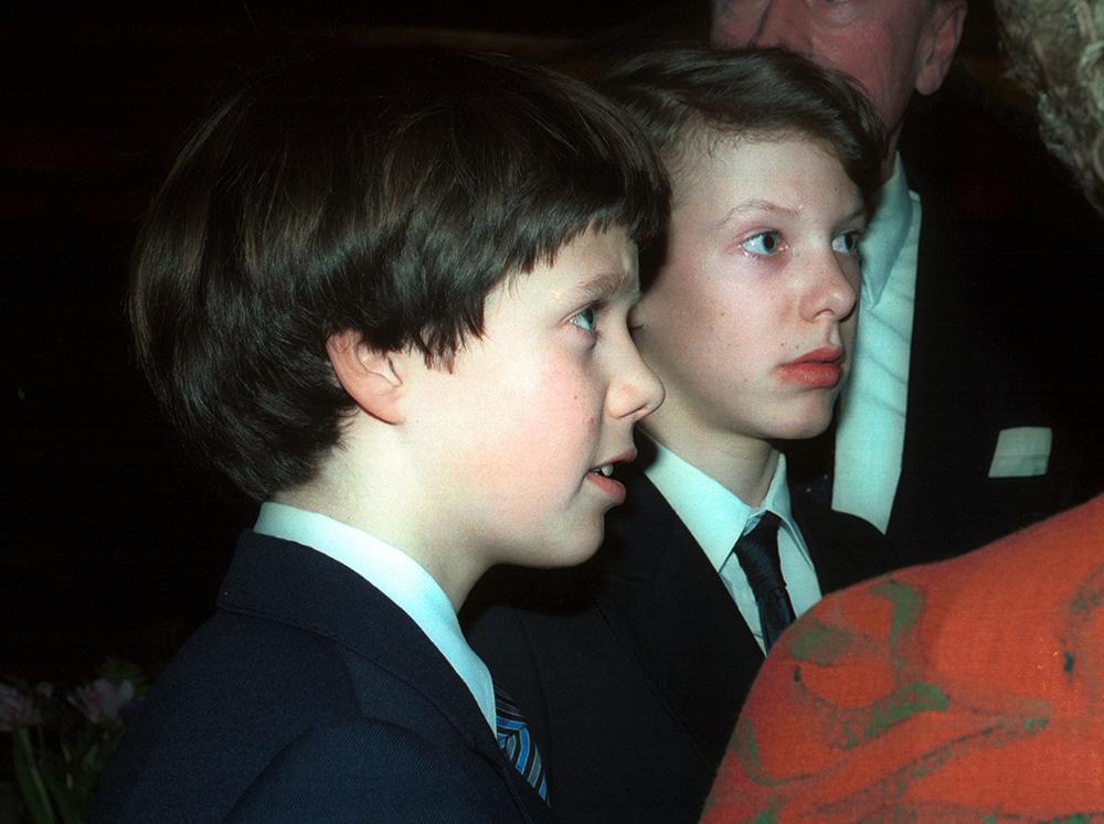 Kronprins-Frederik-med-sin-Bror-i-1982