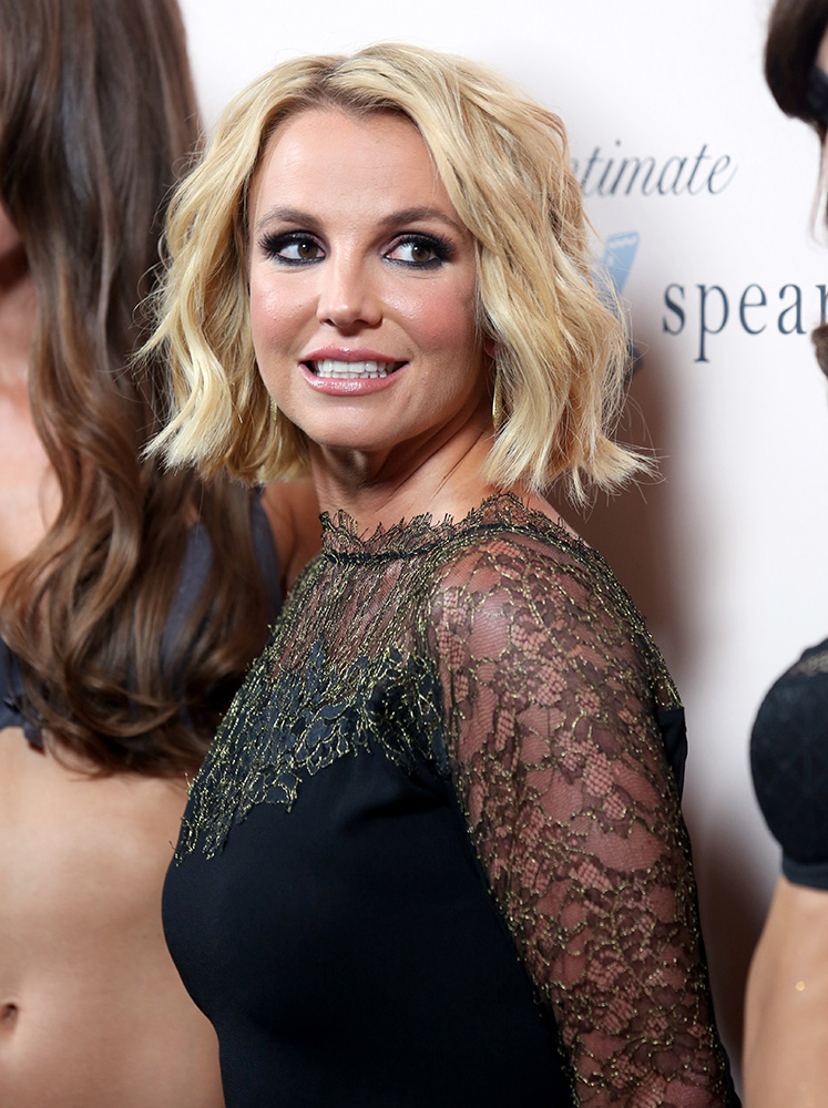 Britney-Spears-2014--(137)-001