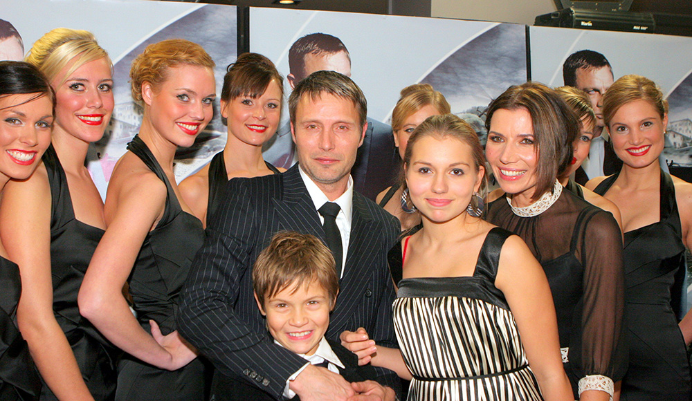 Mads-Mikkelsen-James-Bond-(20)