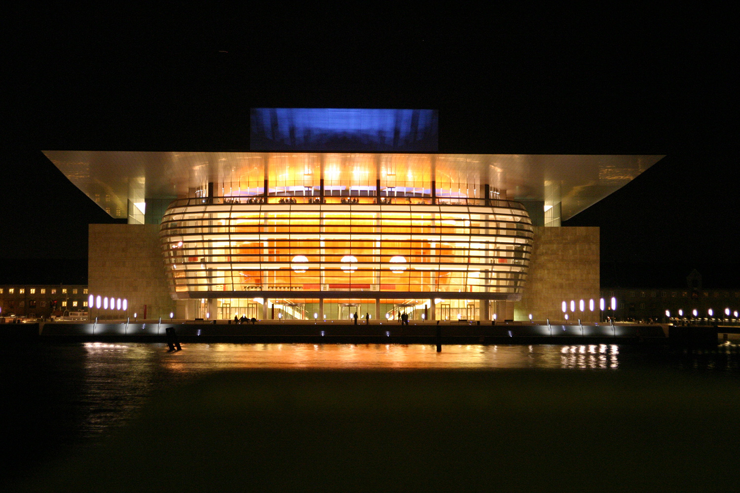 Opera-House-by-night-in-Copenhagen.-(1)