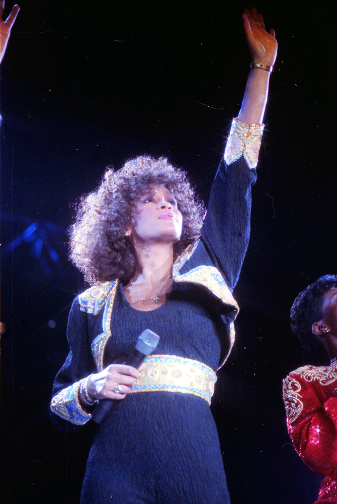Whitney-Houston-LIVE-(10)