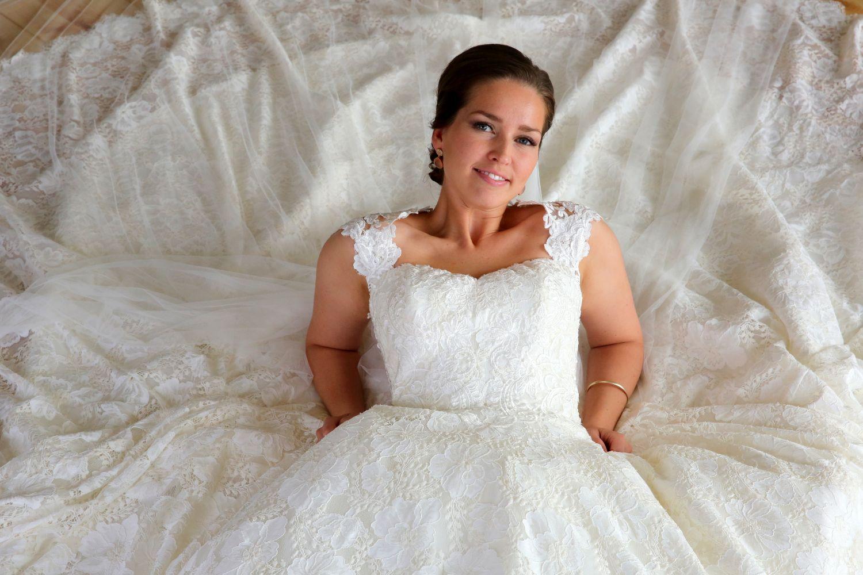 Brud fotograferet til bryllup